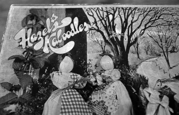 Hazels Kaboodles Corn Husk doll kit-front of box detail
