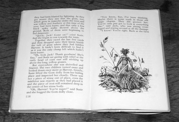 The Corn Dolly-Margaret Elliot-Colin Dunbar-book-1976-folklore-3 copy