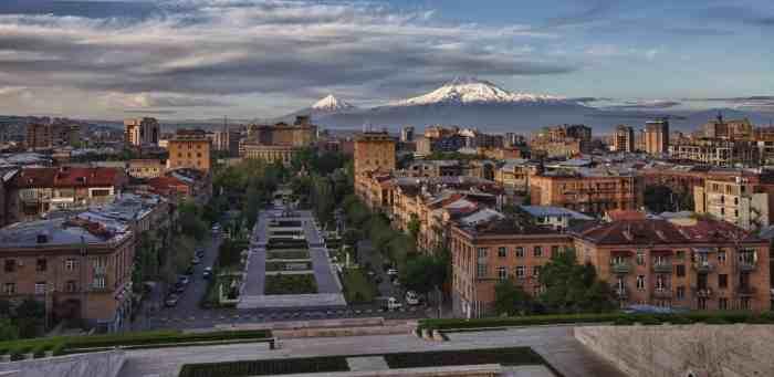 Yerevan-Ararat-Cropped