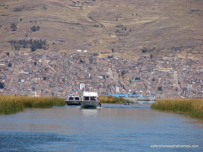 Uros Adasına doğru giderken