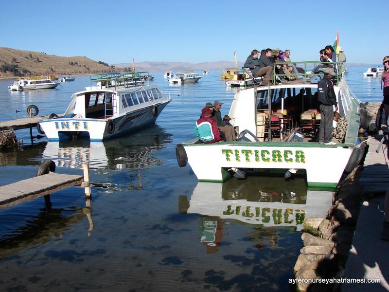Güneş Adası'na giden tekneler - Titicaca Gölü, Copacabana