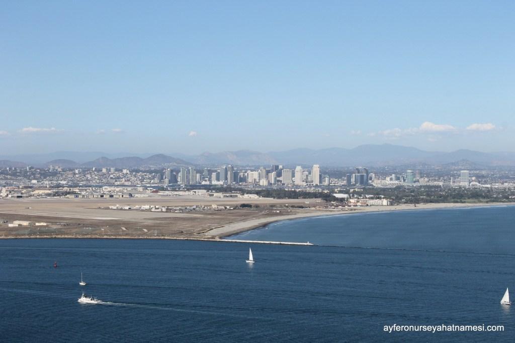 San Diego Şehir Manzarası ve Deniz Üssü