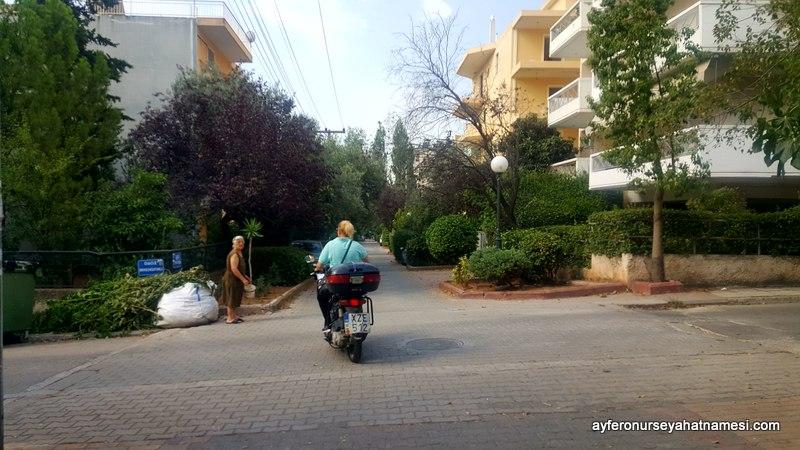 Yunanistan'da kadın her iş kolunda..
