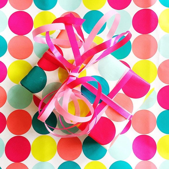 Cadeaus in inpakpapier