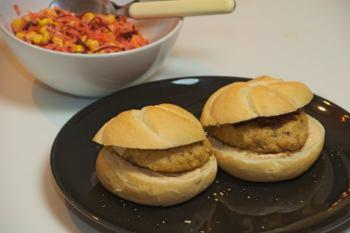 Kip-kikkererwtenburgers