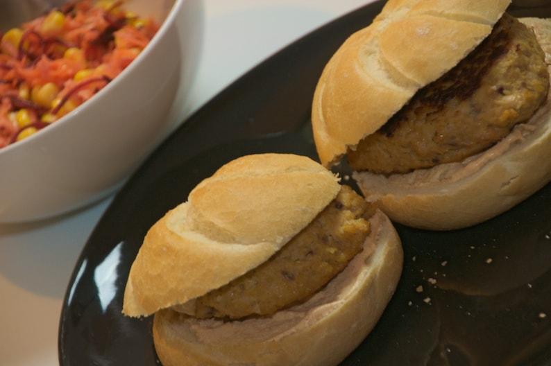 Kip-kikkererwtenburgers - klaar