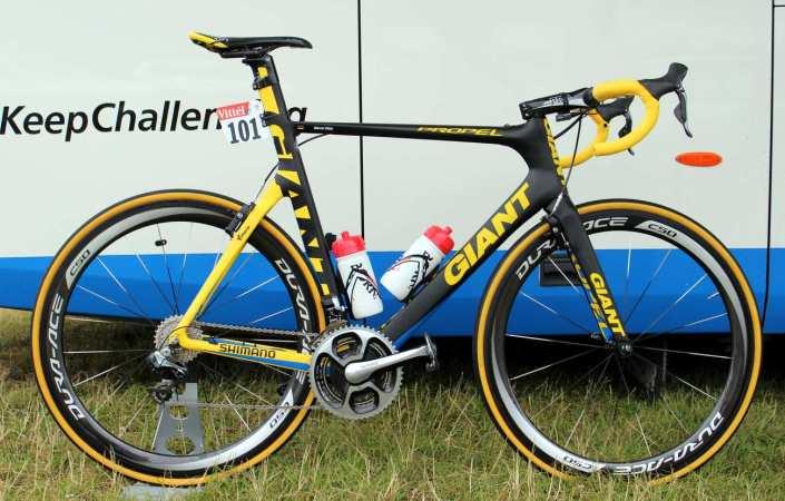 Fransa Bisiklet Turu (2014) açılış etabında birinci gelen Kittel'in mailot jaune renkleriyle donatılmış bisikleti.