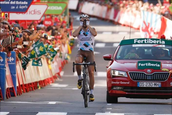 Alexis GOUGEARD (FRA) ag2r - La Mondiale, ilk büyük tur zaferini kutlarken Foto : Yuzuru SUNADA