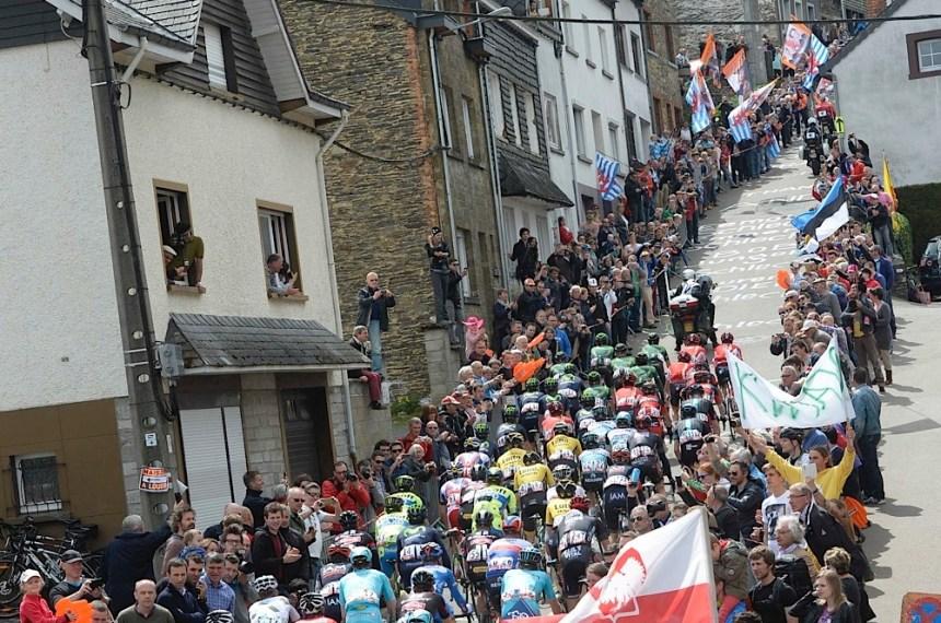 Bir La Doyenne klasiği olarak Côte de St Roch tarmanışı… Ortalama eğimi %10 üzerindeki tırmanışta duraklamak demek pelotonun da dağılması demek. Hızlı çıkanın değil Côte de la Rue Naniot tırmanışı sonrası Liege'den Ans'a doğru uzanan hafif eğimli yolda akıllı davranıp atak yapanın kazanacağı bir yarış La Doyenne.