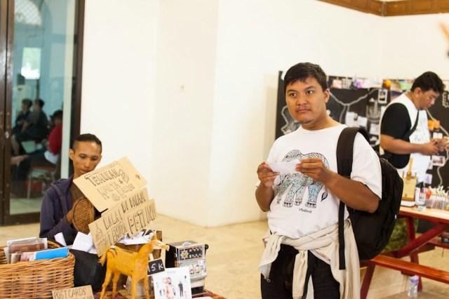 Berbagai petunjuk perburuan harta karun yang disiapkan oleh Surabaya Tempo Dulu. Foto: Erlin Goentoro