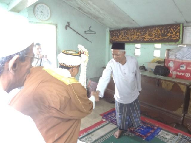 AhmadPernikahanKampungArabSurabaya09