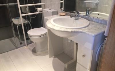Adaptación de un cuarto de baño pequeño