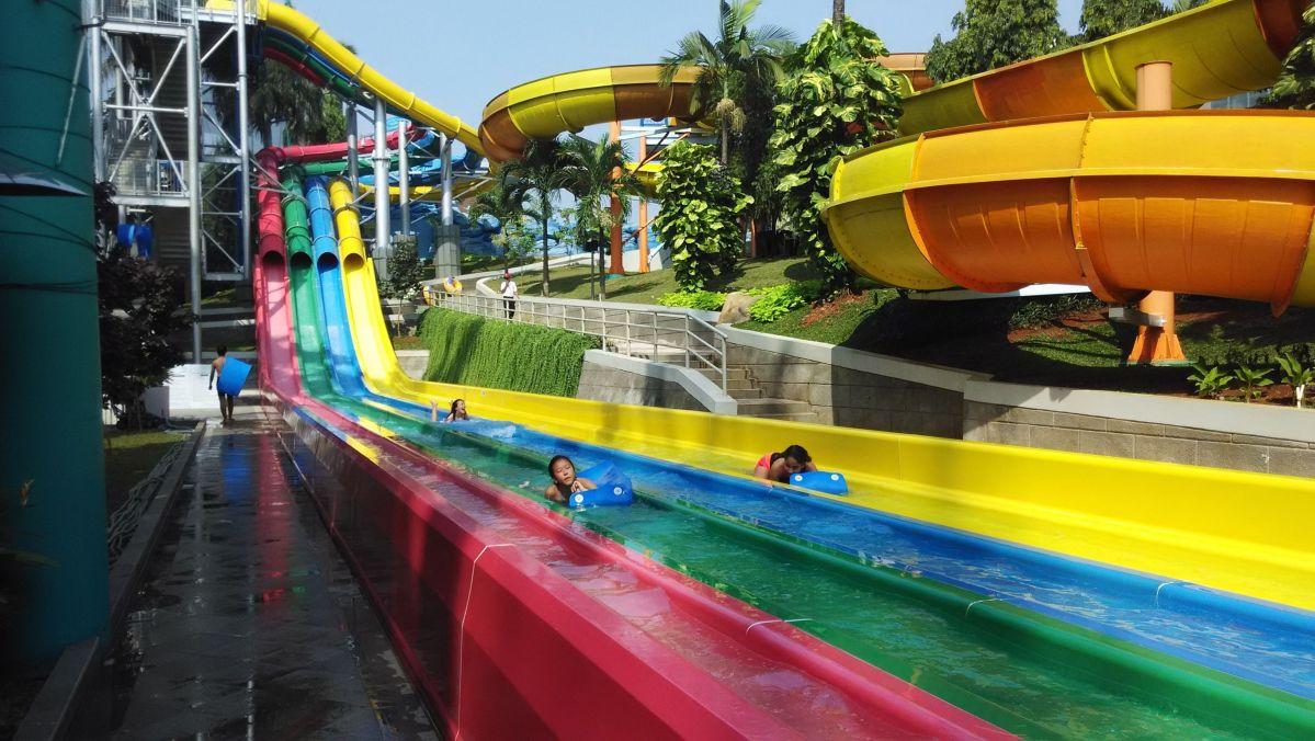 Olahraga sekaligus Rekreasi di The Wave Pondok Indah Water Park, Kolam Renang Pondok Indah
