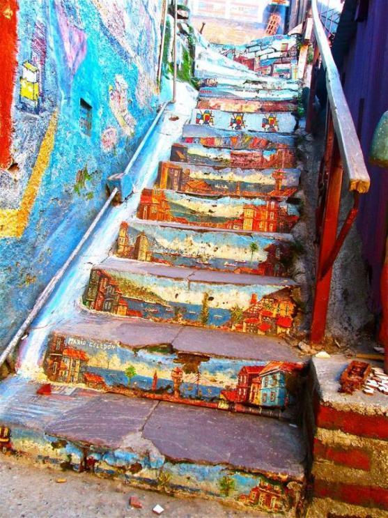 Kota dengan Seni Jalanan Terbaik di Dunia - Seni-Jalanan-Lukisan-Mural-di-Kota-Bethlehem-di-Valparaiso-di-Chili-1