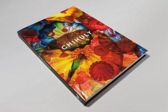 Contoh Desain Katalog Atraktif - Contoh-desain-katalog-DALE-CHIHULY-EXHIBITION-CATALOG-oleh-Emanuel-Cohen