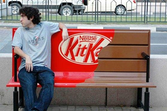Contoh Pamflet dengan Ide Cerdas dan Desain Lucu - Contoh-Pamflet-Kitkat
