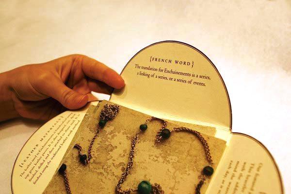17 Desain Katalog Perhiasan Brosur Permata - Desain katalog brosur perhiasan - Enchainements Identity 2