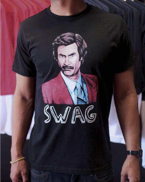 Desain Kaos T Shirt Dengan Ilustrasi Keren - Desain-Kaos-T-Shirt-Keren-39