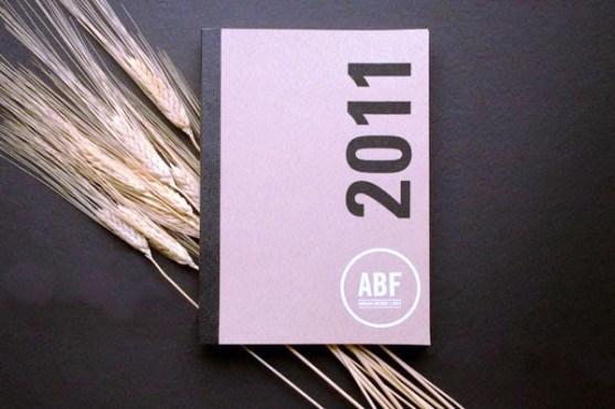 Contoh Gambar Desain Laporan Tahunan - Laporan-Tahunan-oleh-Beth-Sicheneder