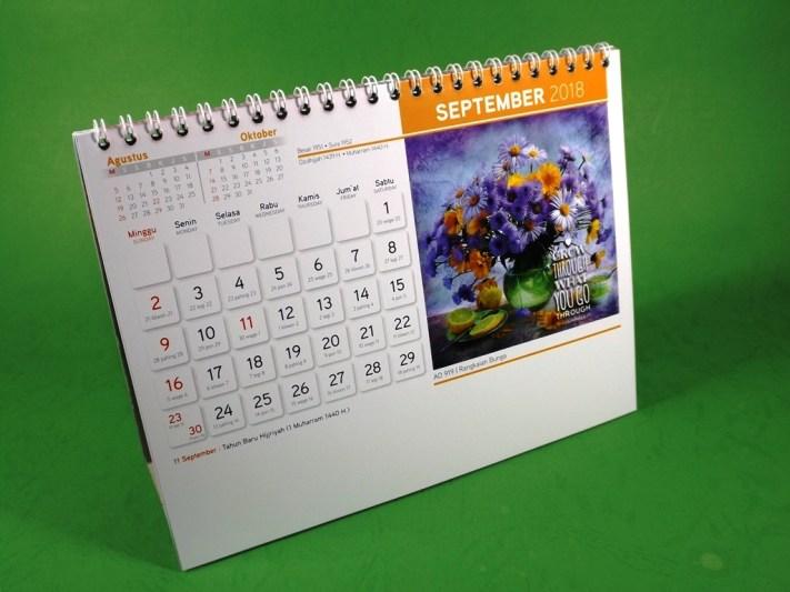 Kalender Meja 2018 Rangkaian Bunga AO 919 Spiral