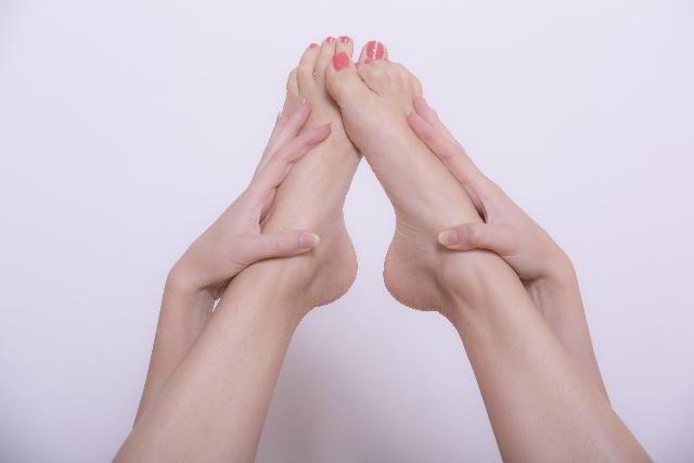 女性の足 末端冷え性