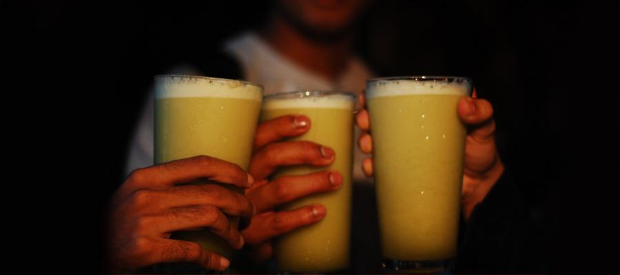 Sugarcane Juice Image source - https://www.flickr.com/photos/usi-man/3300625386/sizes/o/