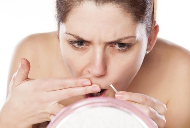 Lightens Unwanted Facial Hair