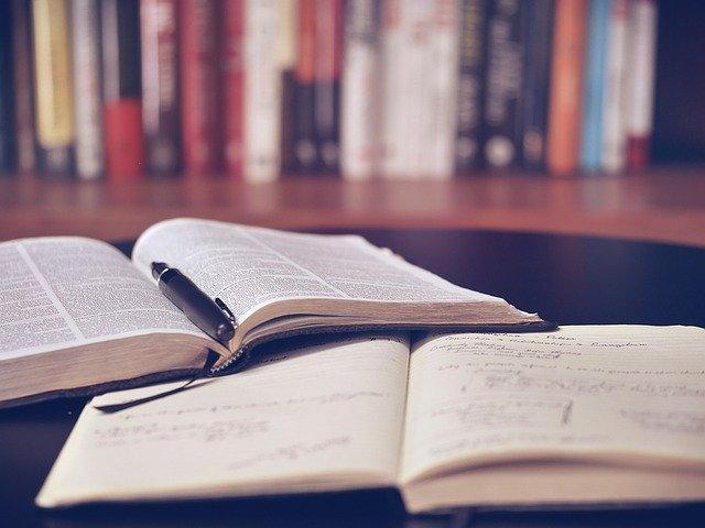lire des livres et des formations
