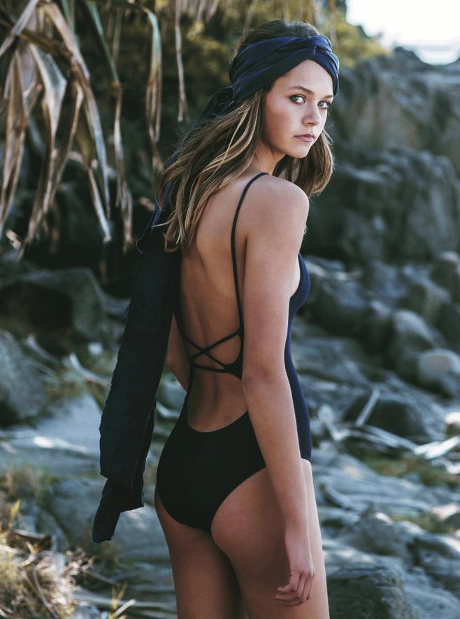 Alannah Walton IMG Models