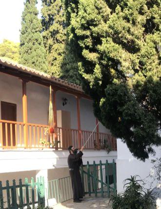 les cloches sonnent, sonnent, sonnent... Monastère Poros