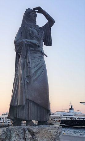 Bouboulina, prénom Laskarina (!) héroïne de la guerre contre les ottomans. Spetses