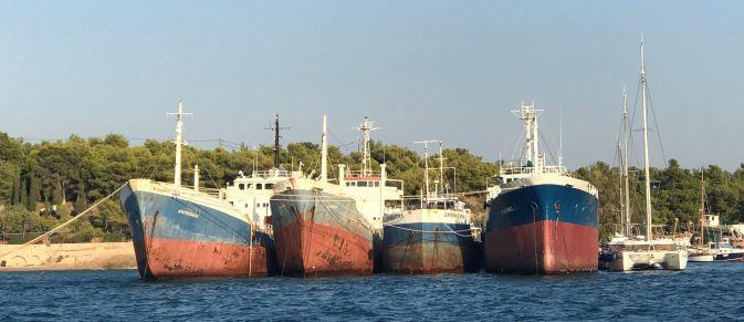 Cargos abandonnés. Spetses
