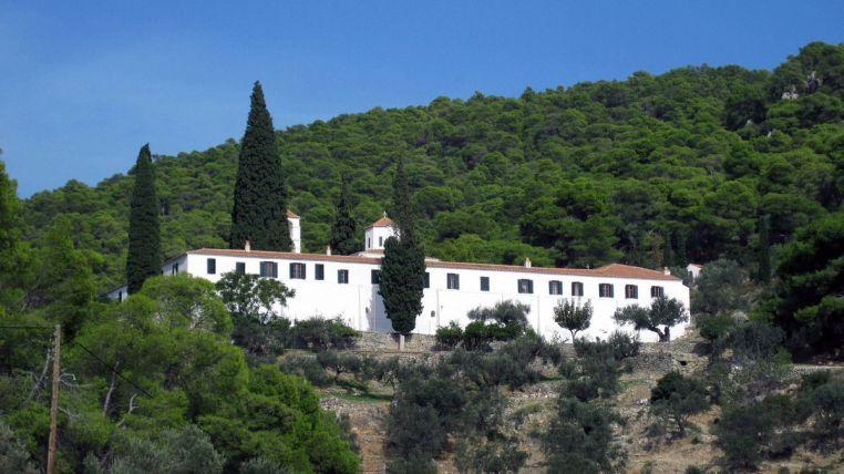 Le monastère Poros