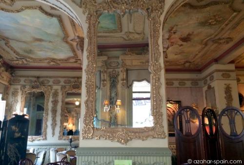 cafe royalty mirror