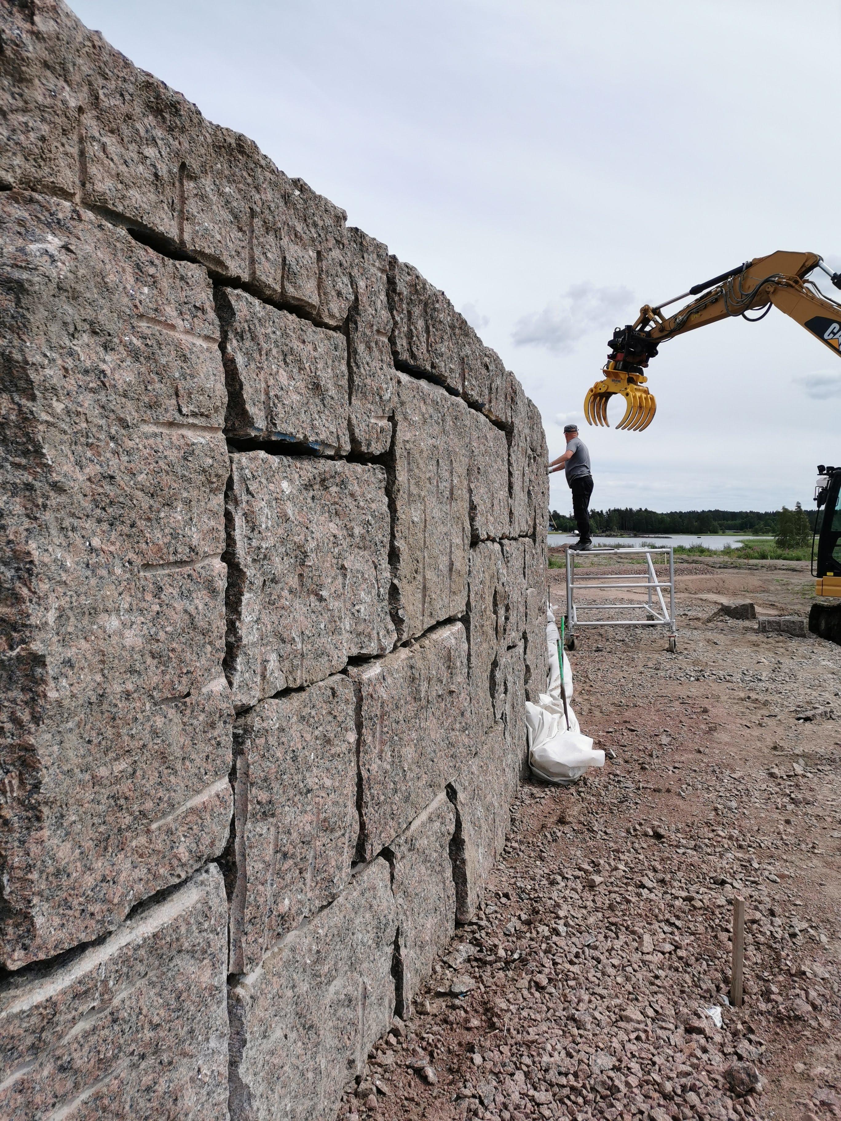 Oolannin puiston muurien rakentaminen 2019