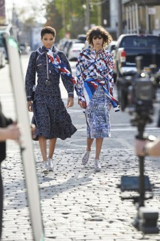 chanel-spring-summer-2016-ready-to-wear-campaign-making-of-12