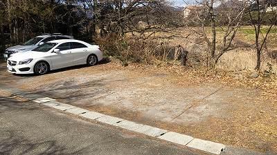 右に7台分の駐車場