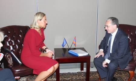 Զոհրաբ Մնացականյանը հանդիպել է ԵՄ բարձր ներկայացուցիչ Ֆեդերիկա Մոգերինիի հետ