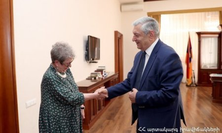 Ֆելիքս Ցոլակյանն ընդունեց ԵՄ պատվիրակության գրասենյակի նորանշանակ ղեկավարին (ՏԵՍԱՆՅՈւԹ)