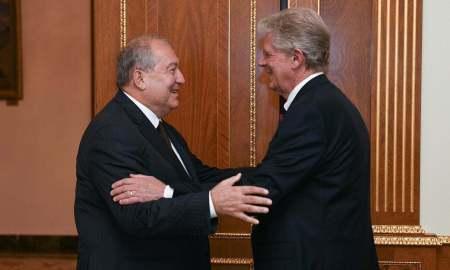 Դուք Հայաստանի լավ բարեկամն եք․ նախագահ Սարգսյանն ընդունել է ԱՄՆ կոնգրեսականին (ՏԵՍԱՆՅՈւԹ)