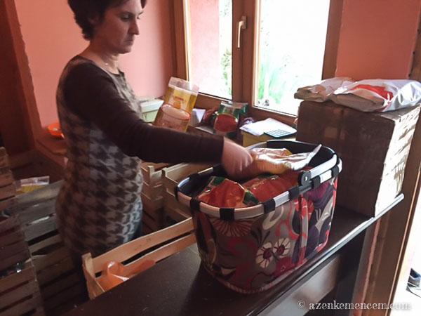 Csirkepörkölt nokedlivel - paprika vásárlás a Kiss családnál Bezdánban