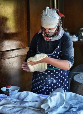 Tandir Bread - Traditional Azeri Bread 6