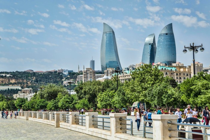 Baku City Tour with Old City Excursion