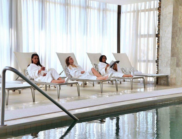valley-lodge-spa-ladies-cropped-2015