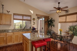 4414 E. Smokehouse Trail Kitchen 1