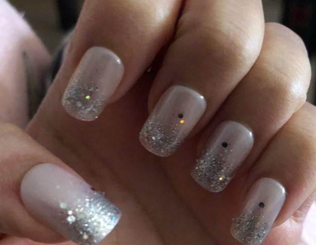 Fantasy Kiss nails