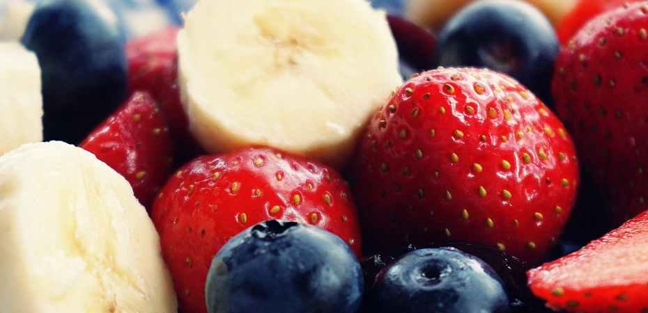 strawberries, blueberries and banana