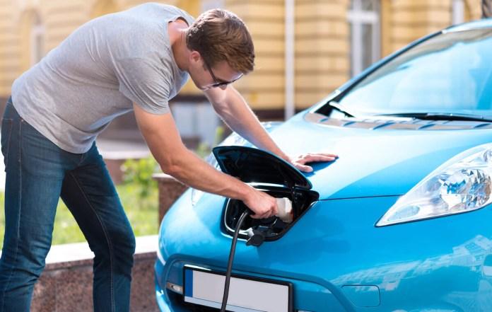 Kako do subvencije za nakup električnega avta?