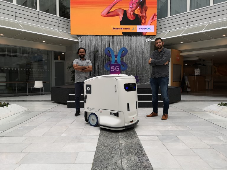 Aziobot and Proximus explore 5G with autonomous cleaning robots.