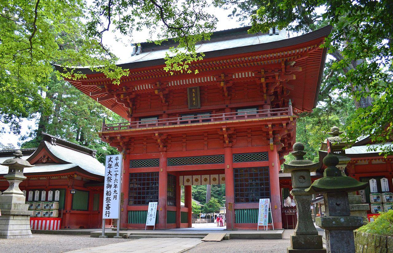 1280px-Kashima-jingu_roumon